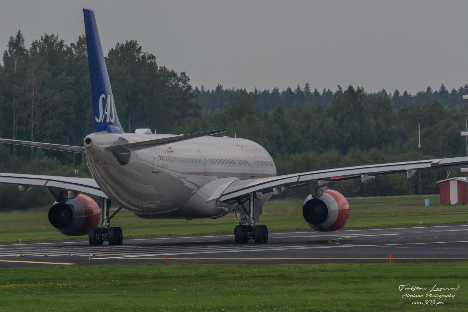 Airbus A330-343E - SAS - LN-RKU - TBE_1753