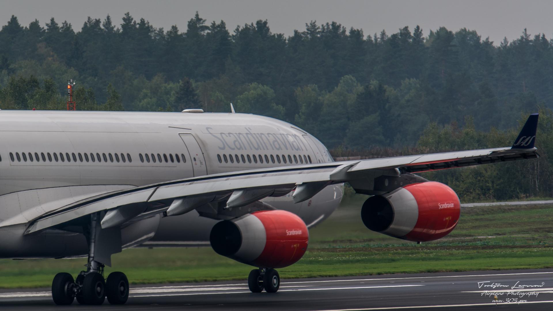 Airbus A340-313X - SAS - OY-KBI - TBE_2252