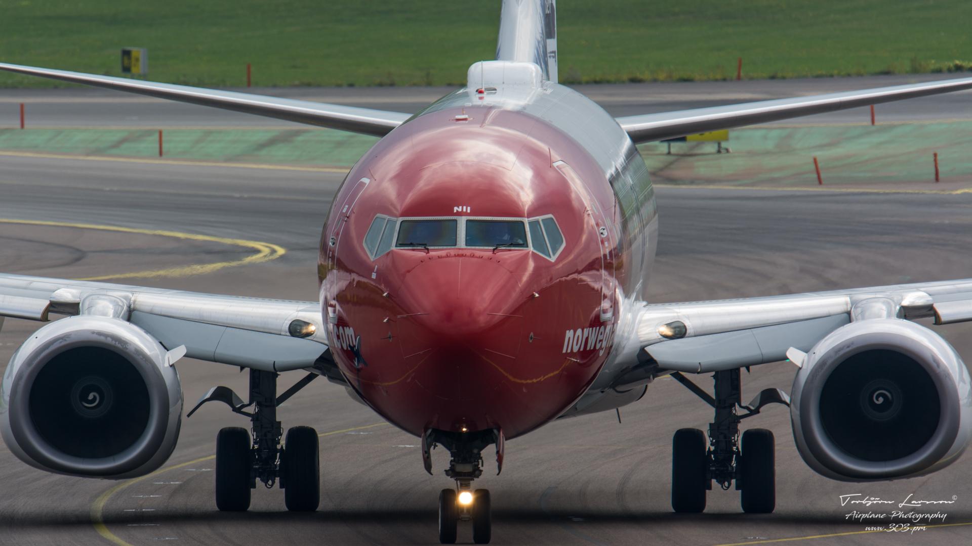Boeing 737-8JP - Norwegian - LN-NII - TBE_2016