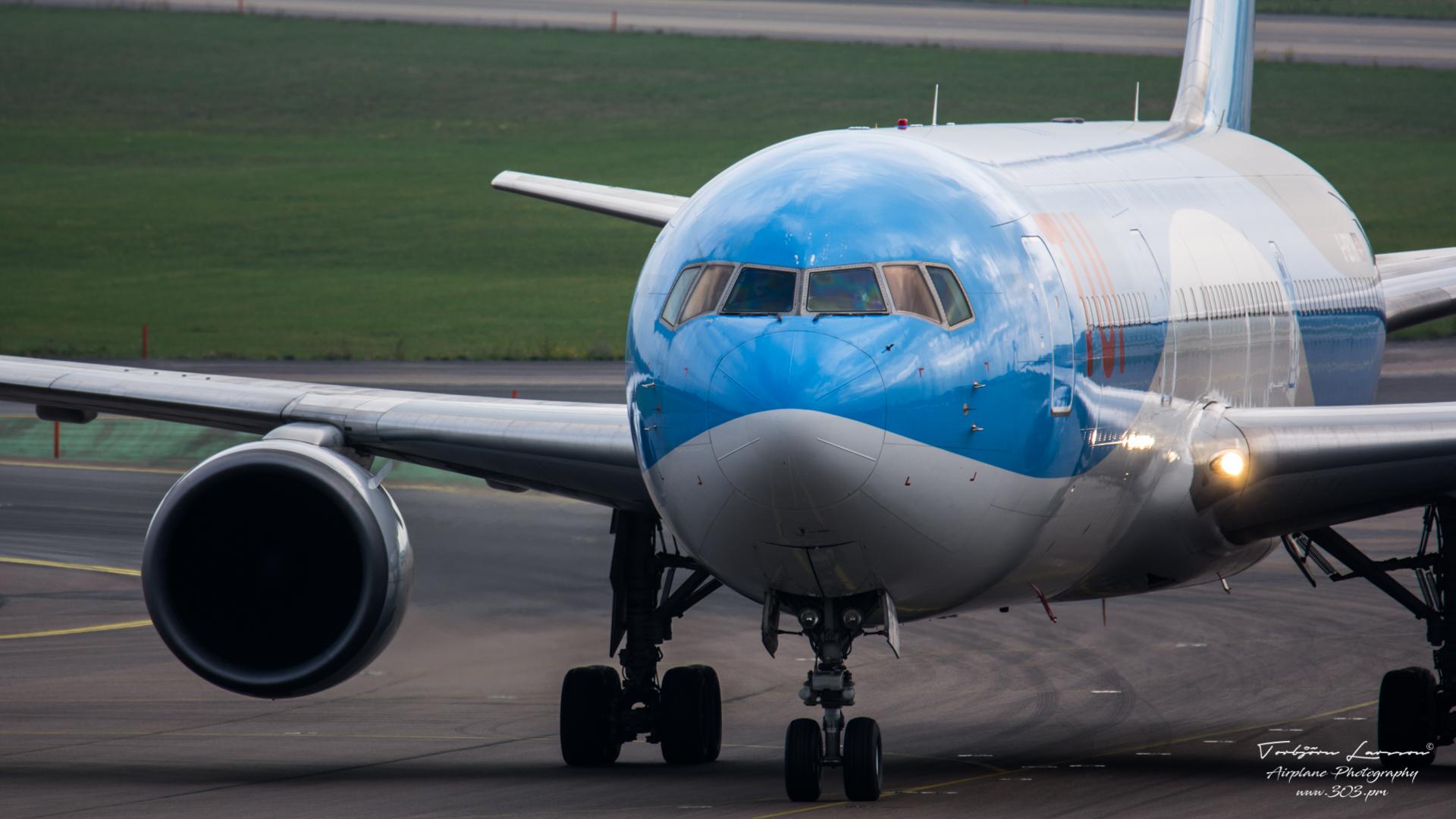 Boeing 767-304(ER) - TUI - G-OBYH - TBE_2386