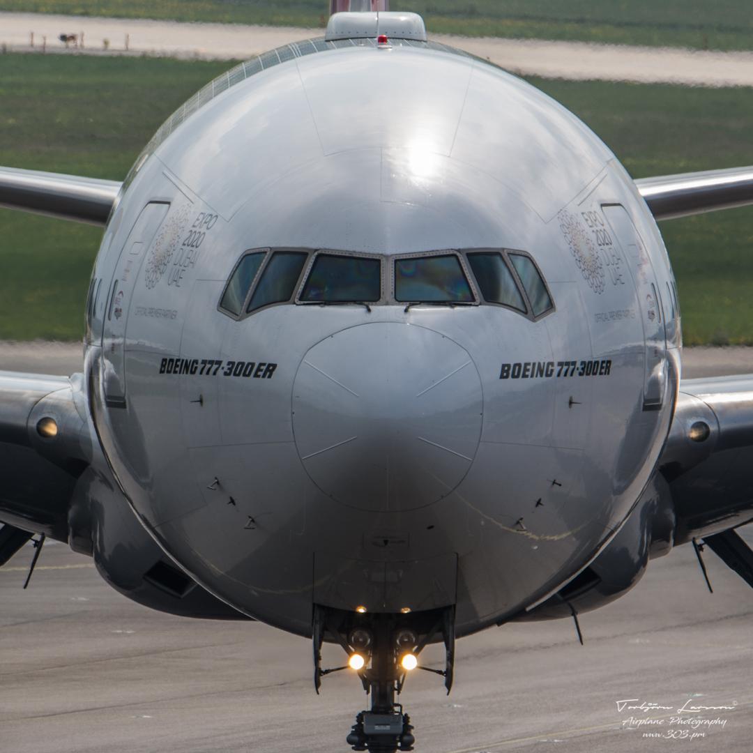 Boeing 777-26N(ER) - Emirates - A6-EBQ - TBE_1920