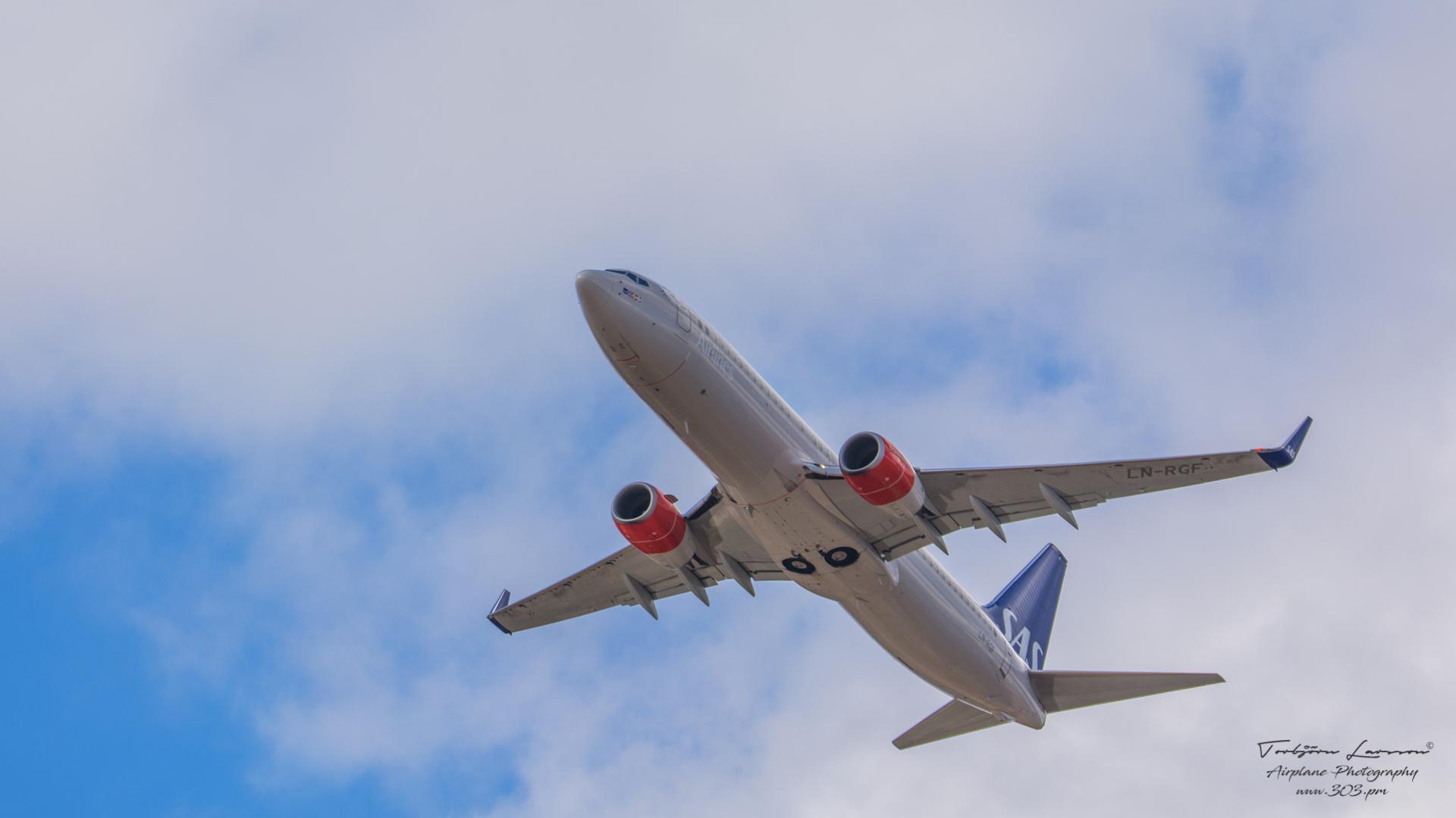 DSC_1303-SAS LN-RGF - Boeing 738