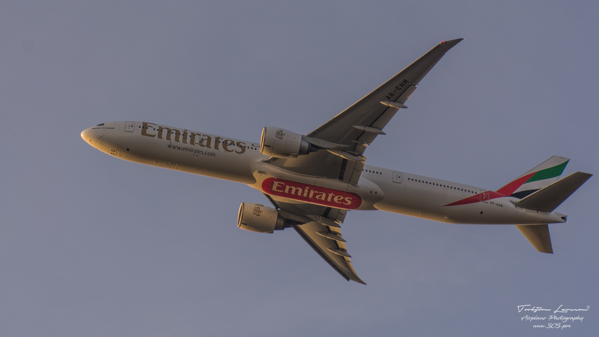 TBE_4652-Boeing 777-31HER - Emirates Airlines A6-ENM