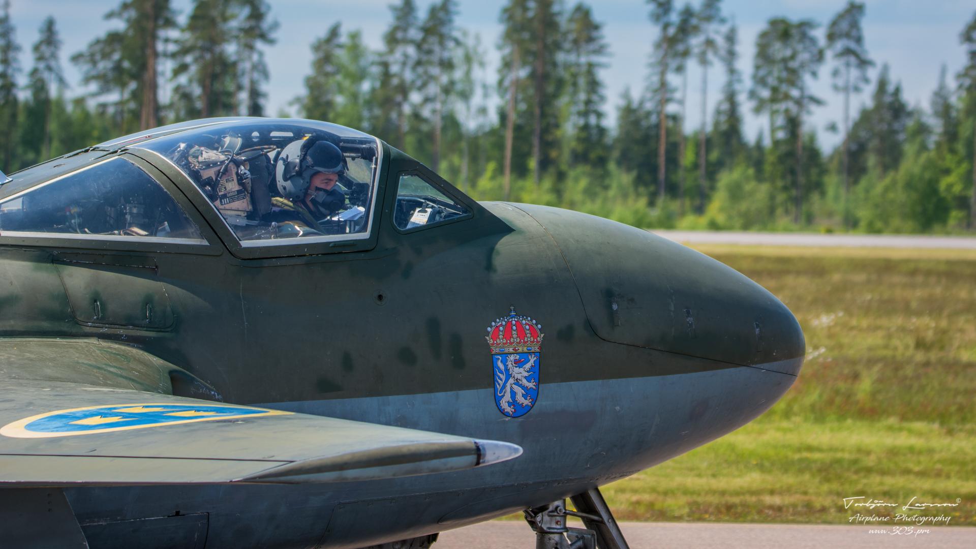 J-28 Vampire (de Havilland Vampire)