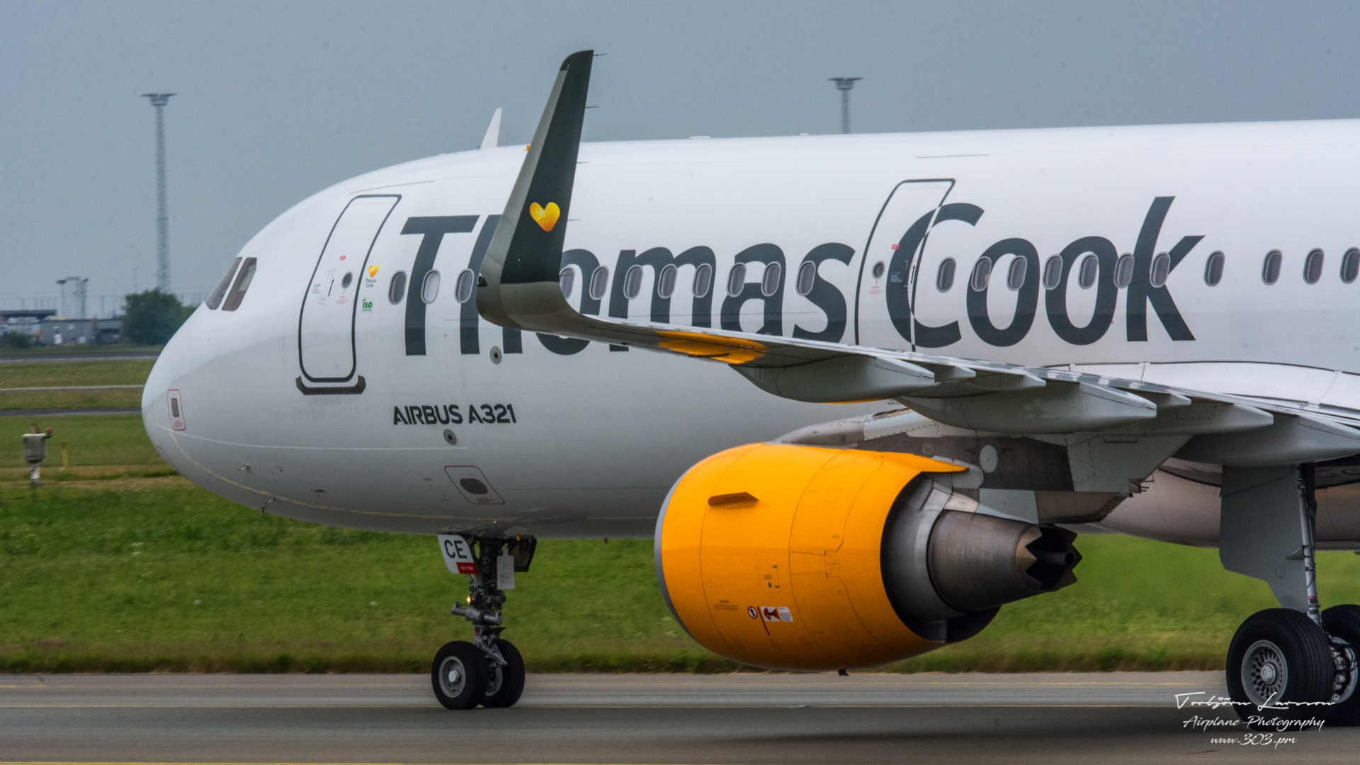 TBE_8375-Airbus A321-211(SL) (OY-TCE) - Thomas Cook Airlines