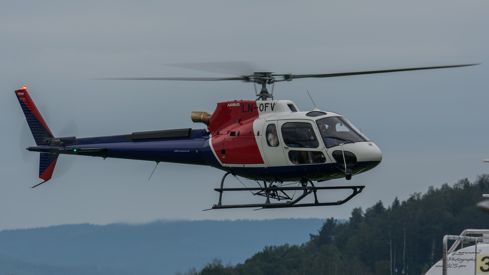 Airbus-Helicopter-AS-350-B3-LN-OFV-TBE_5511