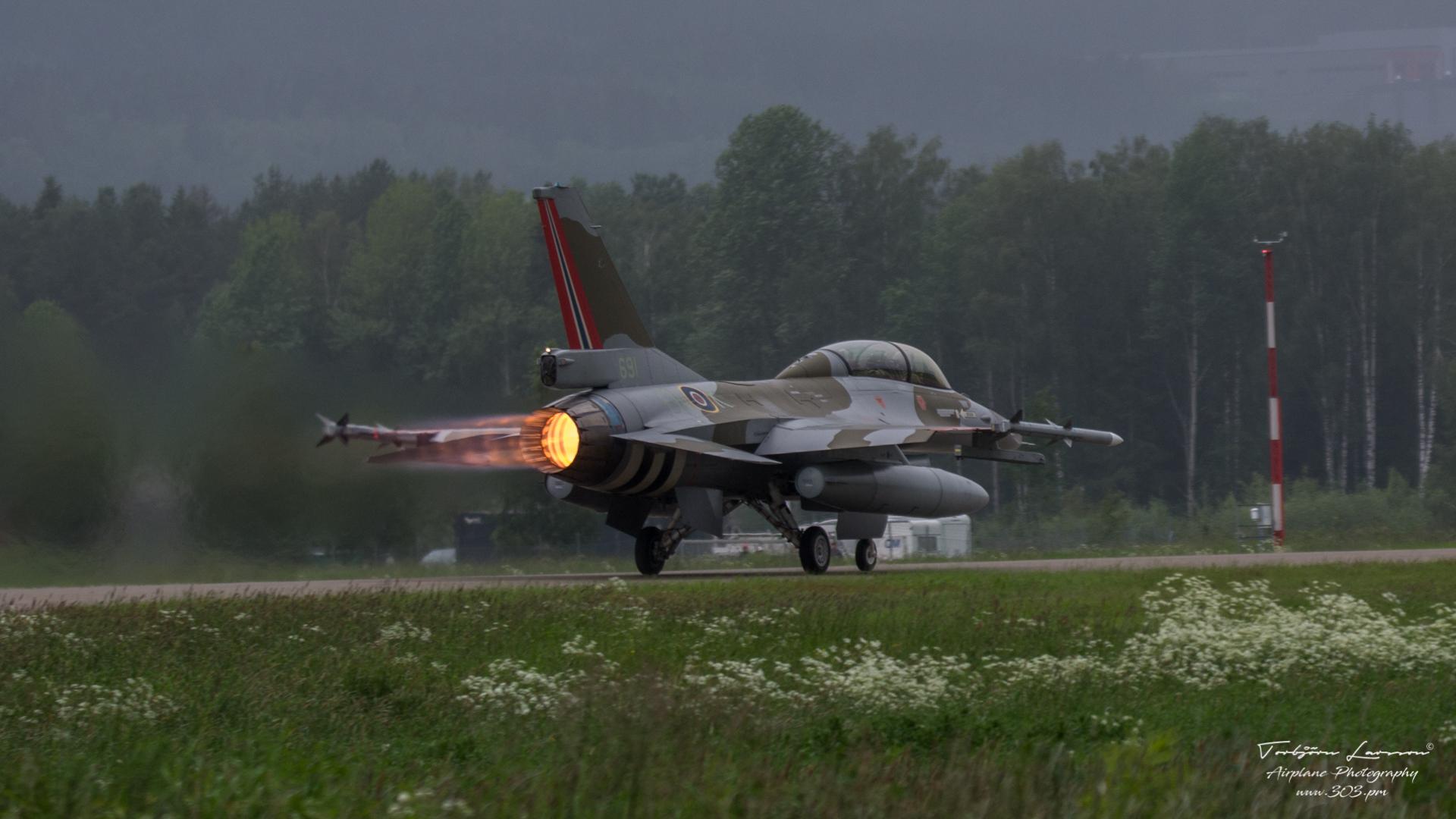 General-Dynamics-F-16-Fighting-Falcon-Norwegian-Airfoce-TBE_7400