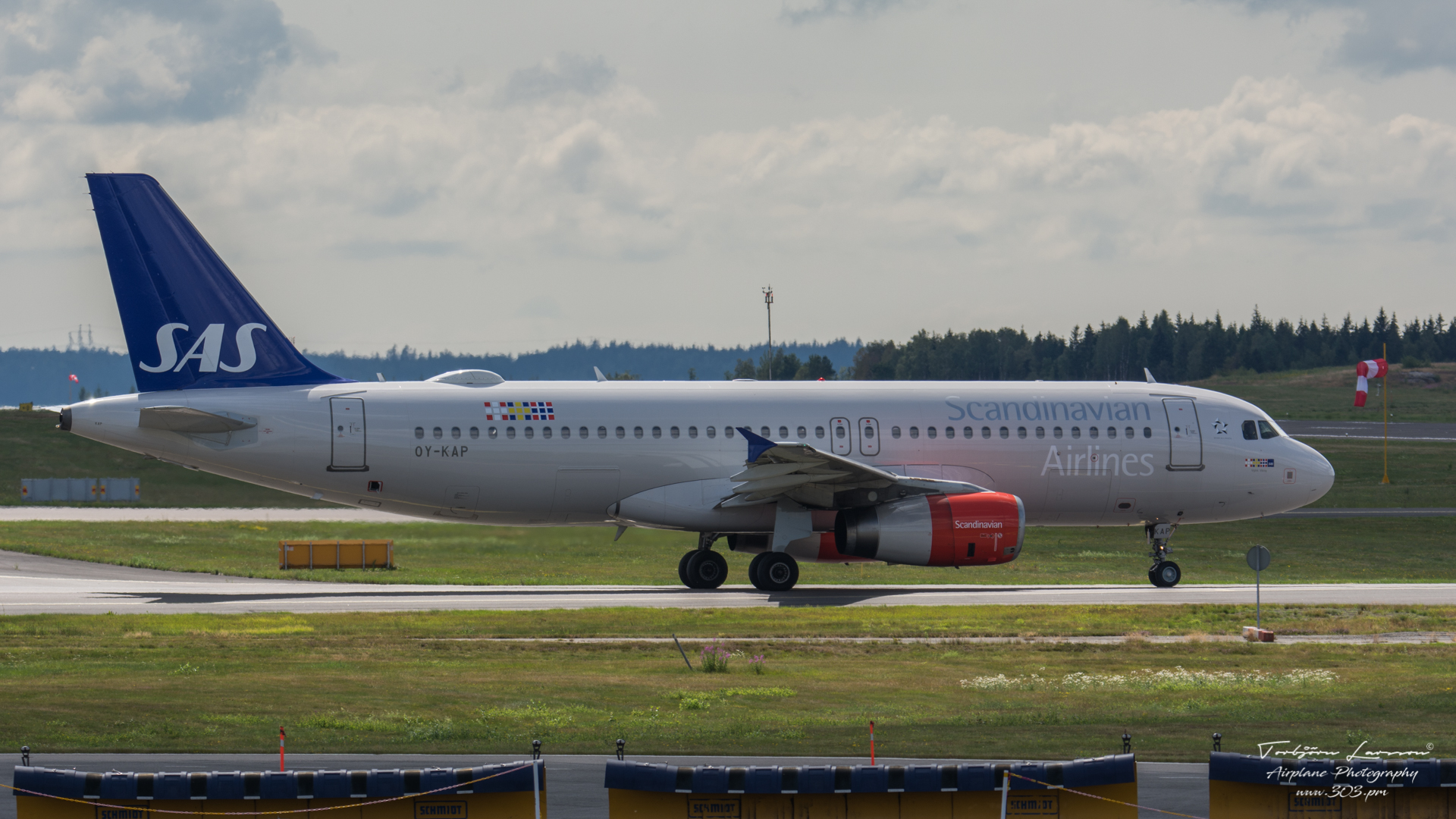Airbus-A320-232-SAS-Scandinavian-Airlines-OY-KAP-TBE_8394