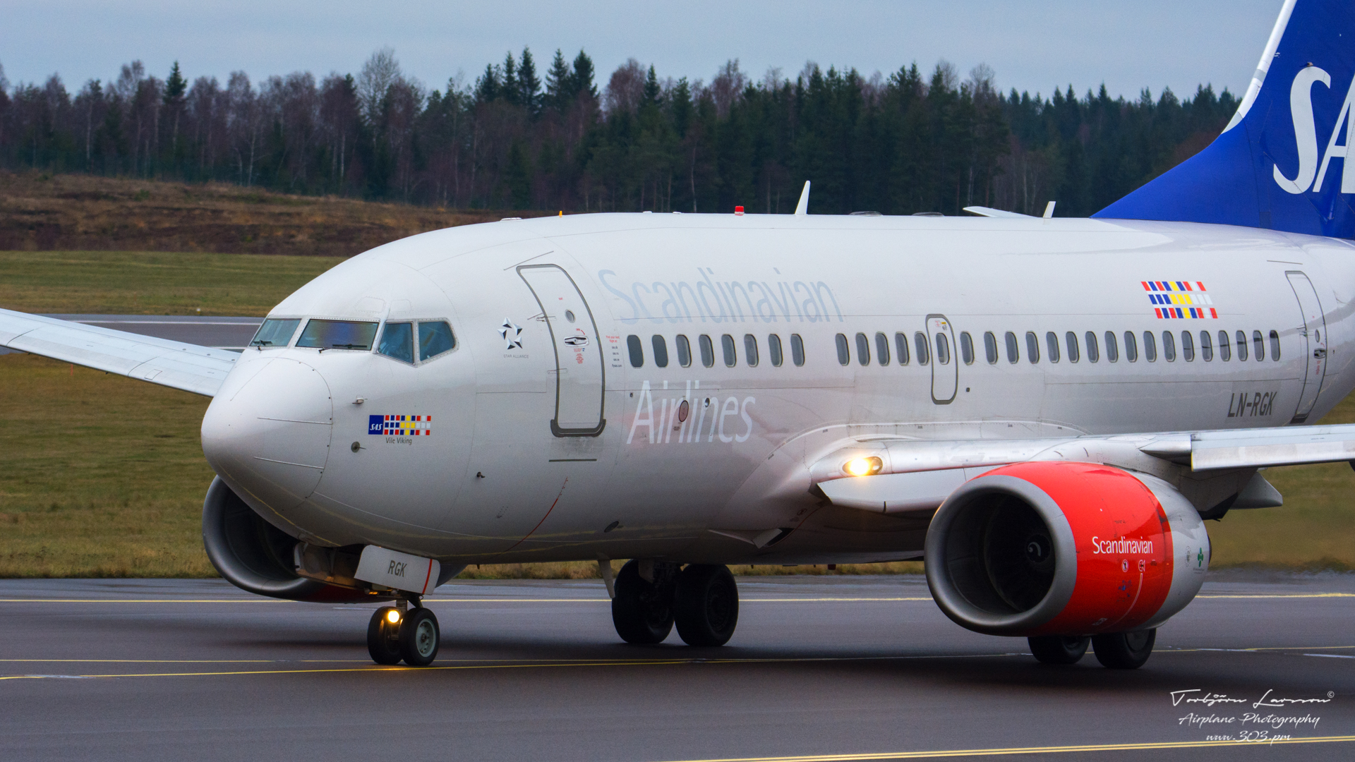 Boeing 737-683 (LN-RGK) - SAS - TBE_3346