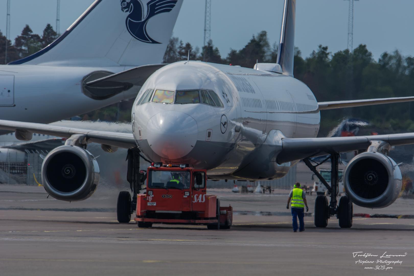 TBE_7966-Airbus A321-231 - Lufthansa - (D-AIDQ)