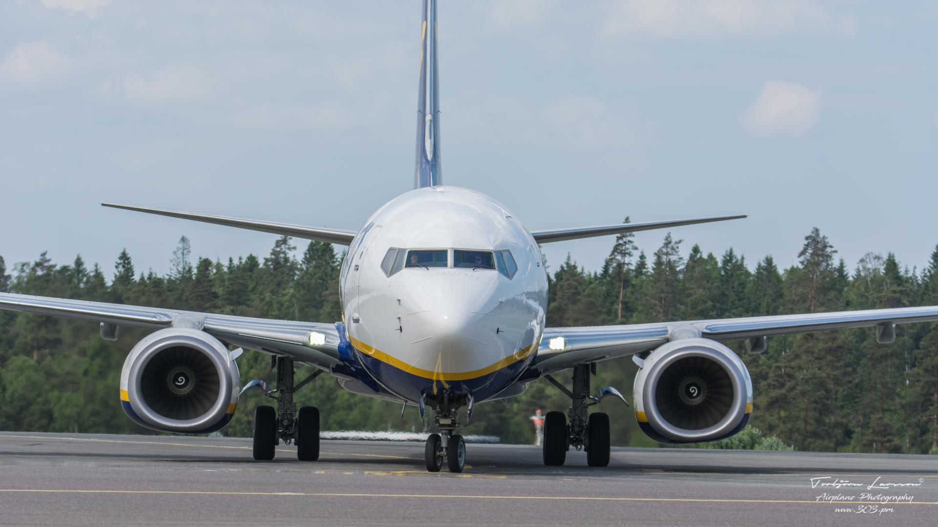 TBE_7989-Boeing 737-800 - Ryanair - (EI-GJG)