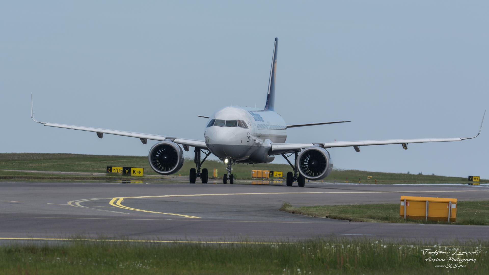 TBE_8195-Airbus A320-271N(SL) - Lufthansa - (D-AING)