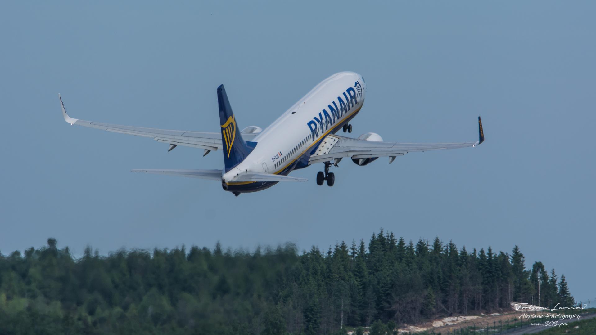 TBE_8547-Boeing 737-800 - Ryanair - (EI-GJG)