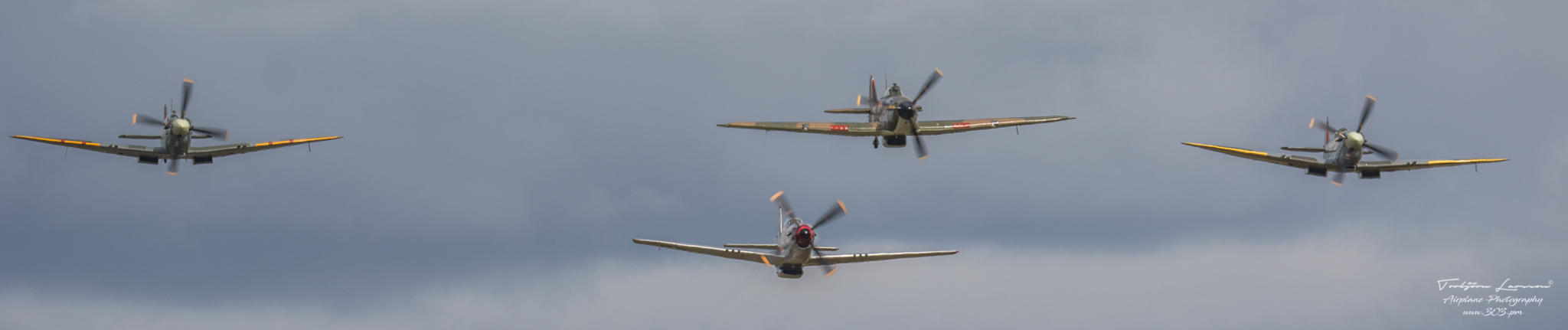 TBE_9653-Classic Warbirds (Vickers Supermarine Spitfire Mk. IX & XVI - North Amercian P-51D Mustang & Hawker Hurricane Mk1)