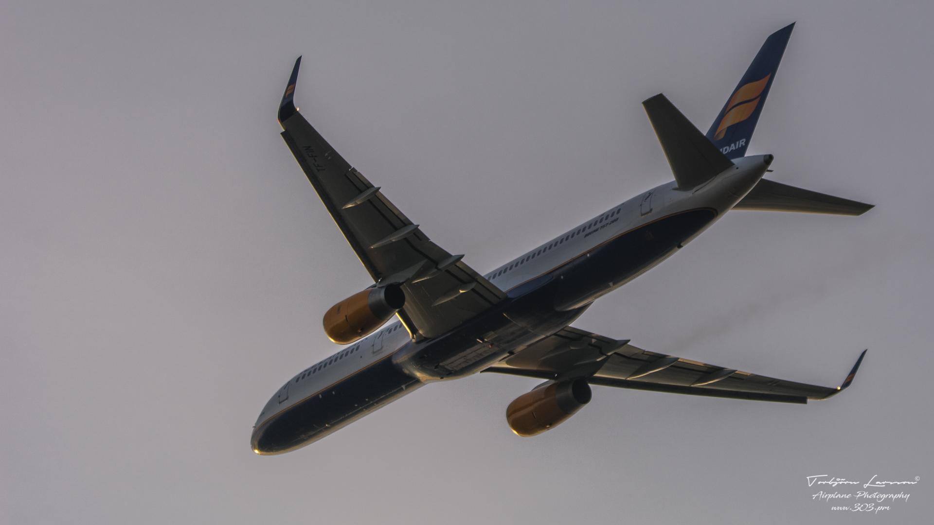 ACE_7151-Boeing 757-208 - Icelandair TF-FIN