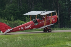 De-Havilland-DH-82A-Tiger-Moth-LN-ADC-Aircraft-C.-LTD-TBE_5845