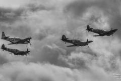 TBE_9502-Classic Warbirds (Vickers Supermarine Spitfire Mk. IX & XVI - North Amercian P-51D Mustang & Hawker Hurricane Mk1)